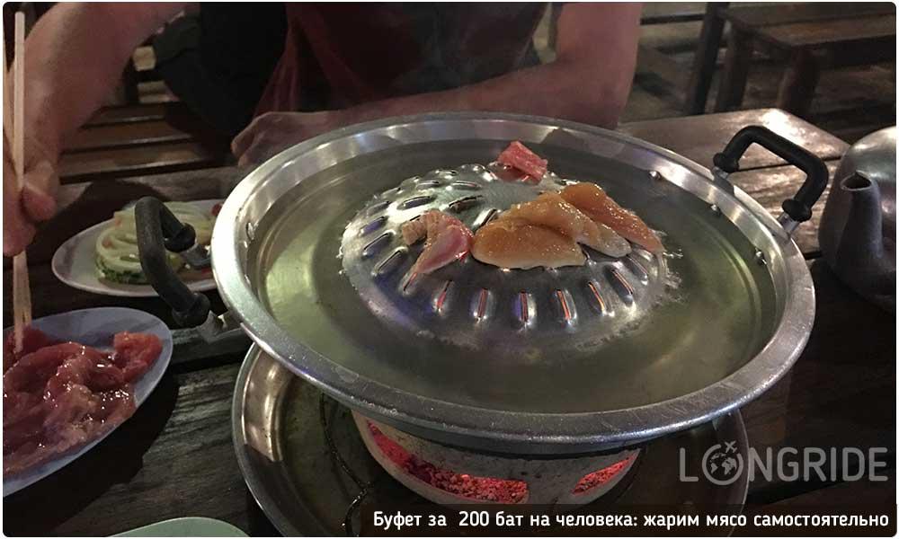 Питание в Таиланде на двоих: буфет за 200 бат на Пхукете