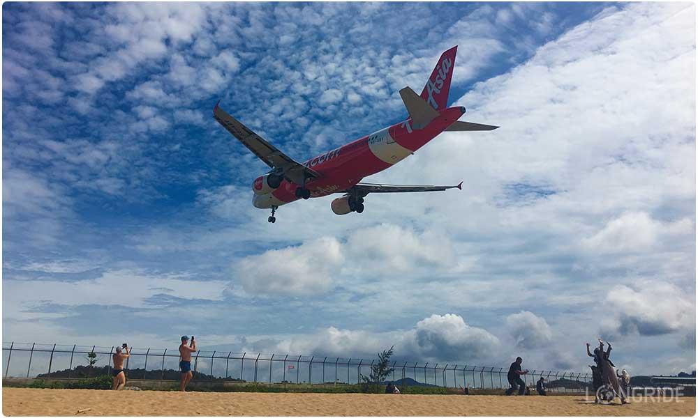 Крутое место для самостоятельных путешественников - пляж с самолётами