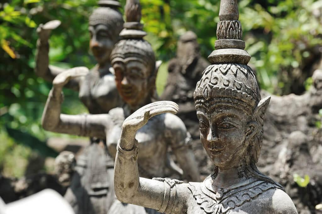 Таинственный сад Будд
